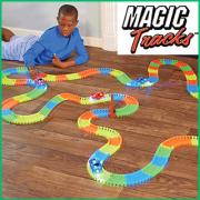 Bendable and glowing race track Magic Track